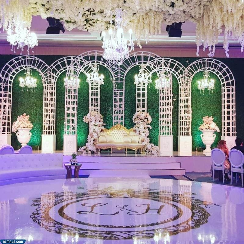 تصاميم كوشة الزفاف مستوحاة من حفلات الزفاف العربية
